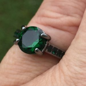 Green emerald cz black gold fashion ring